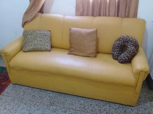 Juego De Muebles 1 Sofa Y 2 Butacas Recibo Sala Usado 0