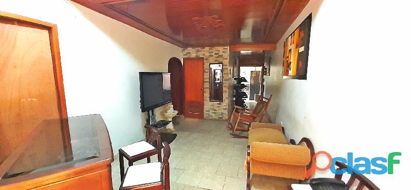 Se Vende Hermosa Casa en la Urb. Laurencio Silva en ciudad alianza 3