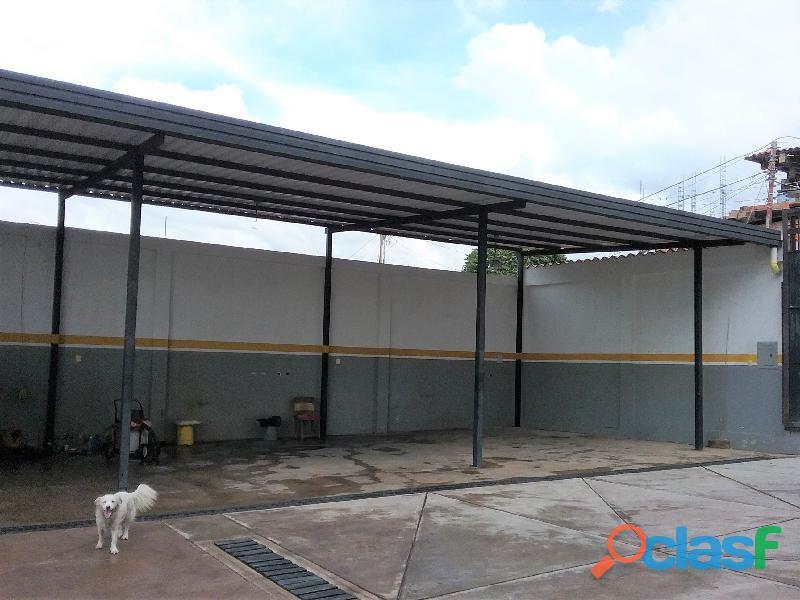 SE ALQUILA / RENTA Local Comercial para Industria o Comercio de materiales y mercancias. 5