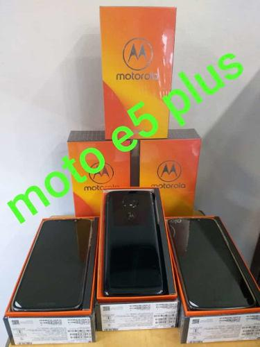Motorola Moto E5 Plus 0