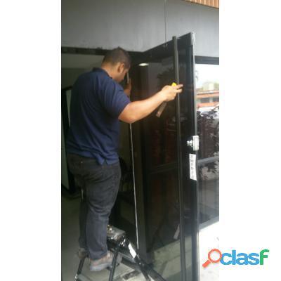 reparacion de puertas de vidrio templex batiente y corrediza