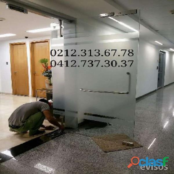 Reparacion de puerta de vidrio en caracas tlf 02123136778