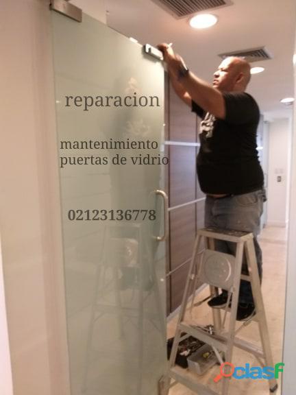 Servicio de reparacion y mantenimiento técnicos puertas de vidrio templex