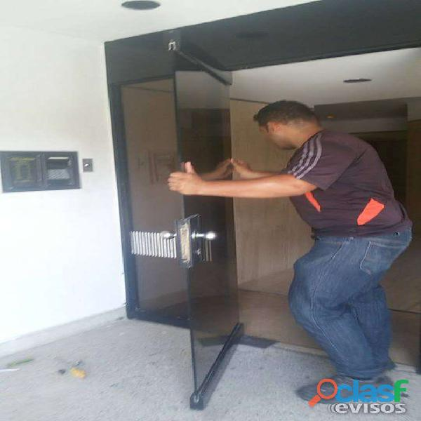 Servicio tecnico para puertas de vidrio reparacion mantenimiento frenos