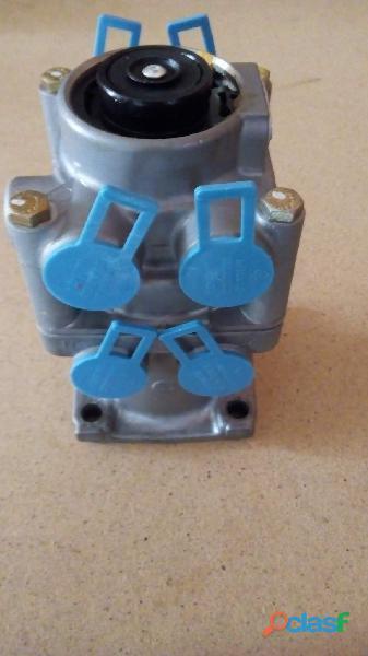 Valvula del pedal de frenos de camion 711/712 mercedes benz