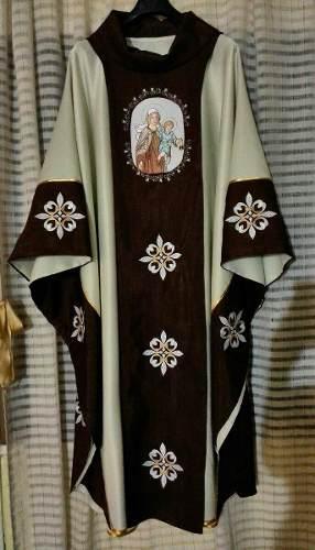 Diseños de ornamentos litúrgicos