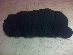 Gorras uní color negras con broches metálico para bordar eaabff224bf