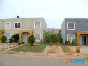 Venta de Townhouse Camino a la lagunita, Maracaibo, MLS 16 16059