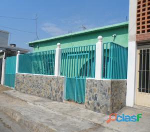 casa en venta en centro de cagua#