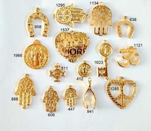 b6dfd357ab62 Dijes dorados grandes