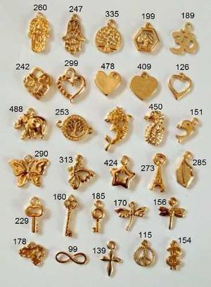 aa264560773f Dijes dorados pequeños