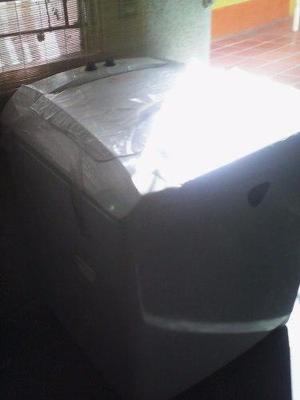 Lavadora automatica digital daewoo de 12 kilos a estrenar