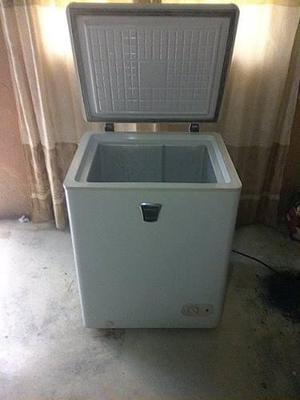 Refrigerador/congelador marca premium 135 litros