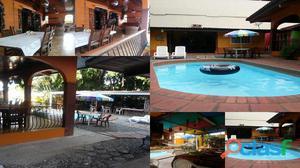 Alquiler de cuarto para 3 personas con piscina cocina en panama