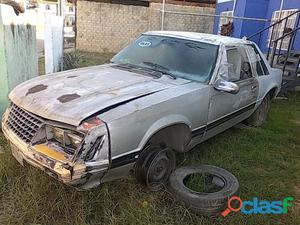 Vendo carro chocado mustang 81