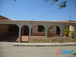 Bella Casa en Paraparal Los Guayos!