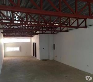 Local en alquiler centro comercial Camoruco, mls 17-1326