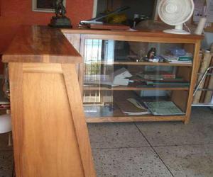 Mostrador madera anuncios julio clasf - Vitrinas de madera y vidrio ...