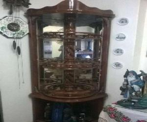 Mueble esquinero clasf for Bares modernos de madera