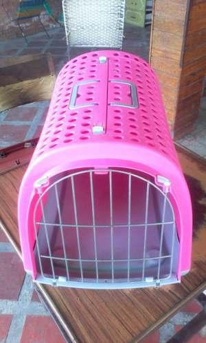 Jaula o kennel para mascotas