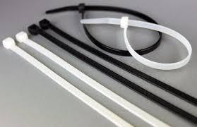 Tirrap, tirrajes, amarres de 60 cm largo por 1 cm de anch