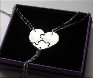 Dije personalizado grabado corazon partido en plata