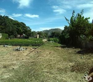 Casa con terrenito pleno centro de yagua