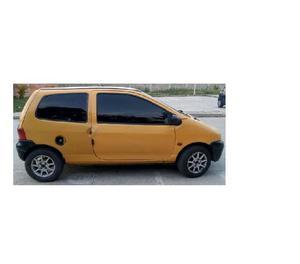 Twingo 2002 amarillo en venta 8valvulas. con aire a toda pru
