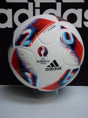 Balón pelota fútbol campo adidas final eurocopa fracas  4 en ... 4d9d28442c77f