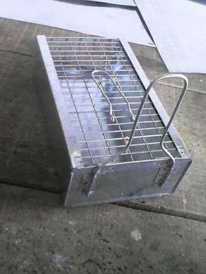 Estaciones cebaderas (trampa jaula)