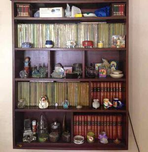 Biblioteca en madera pura