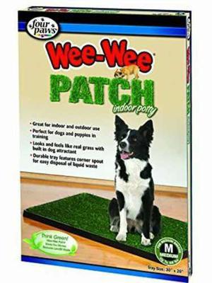 Vacenilla para perros de uso interior con alfombra grama