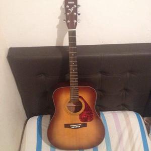 Guitarra acústica yamaha serie f/ zulia