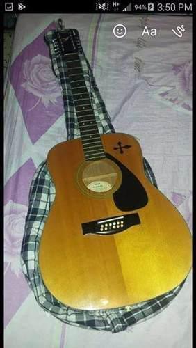 Guitarra yamaha 12 cuerdas