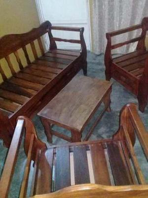 Juego de muebles de madera magdaleno.