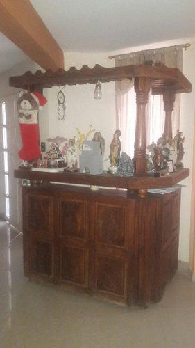 Bar en madera saman bien conservado
