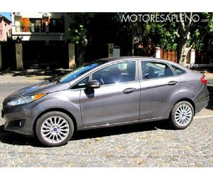 Ford fiesta sedan titanium 2014 1.8