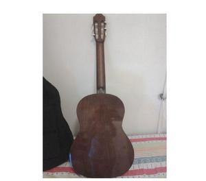 Guitarra yamaha con forro y accesorios