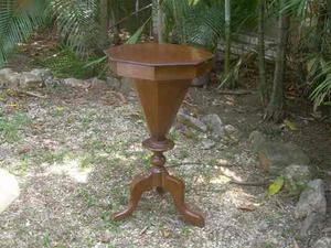 Mesita hexagonal costurera de madera de cerezo data 1810