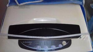 Lavadora electrolux digital. 7 kilos. usada. 100% funcional