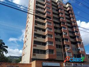 Apartamento Tipo Estudio Av. Bolivar Norte Sector San Jose 18 28013