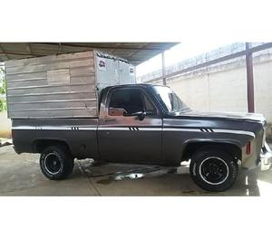 Se vende chevrolet c-10 pick-up motor tapa rallada 350