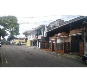 Venta de casa con punto comercial en barrio obrero