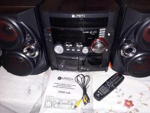 Excelente equipo de sonido utech para reparar o repuesto