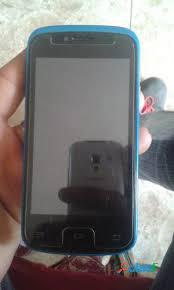 Celular plum z403 con pantalla dañada