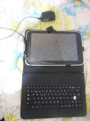 Tablet poco uso con sus accesorios.
