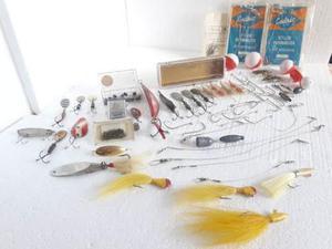 Combo Juego De Pesca Señuelos Anzuelos Pesas Plomo Usado