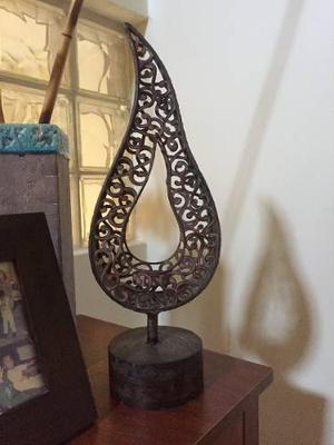 Vendo bello candelabro de hierro forjado