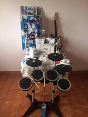 Wii + rockband 2 + accesorios + 40 juegos