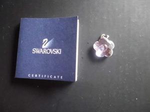 Se vende bellisimo dije de cristal swarovski original.-
